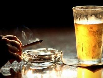 Вредные привычки могут стать причиной раннего климакса