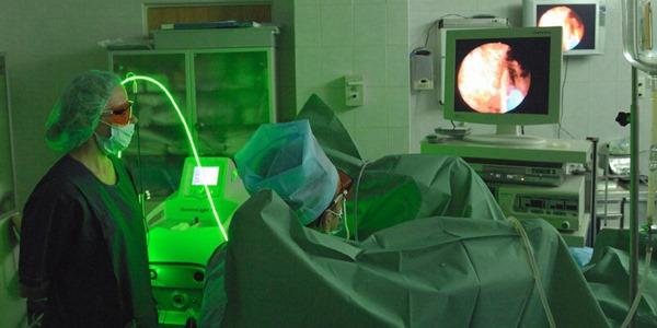 Как проводится лазерная операция по удалению аденомы