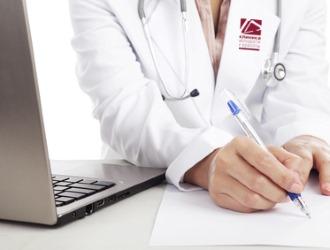 При обнаружении сыпи на членен необходимо обратиться за консультацией к врачу